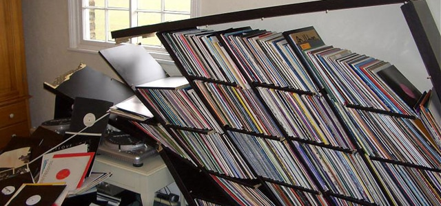 le regain d 39 int r t pour le vinyle ne serait qu 39 un complot d 39 ikea pour vendre ses tag res. Black Bedroom Furniture Sets. Home Design Ideas